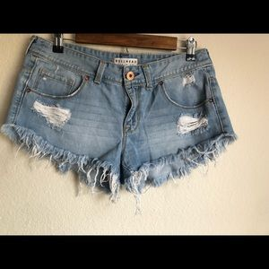 Bullhead Denim Extreme Fray Cutoff Shorts Size 11